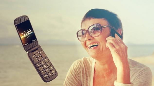 Quando le mode ritornano: la praticità e il sapore vintage dei telefoni a conchiglia